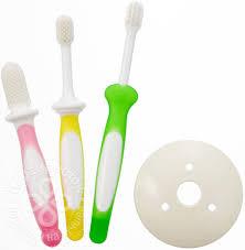 Купить <b>Набор зубных щеток</b> Pigeon детских 6-18 месяцев 3шт с ...