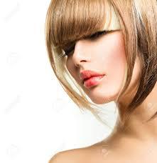 美しいファッション女性の髪型短い髪フリンジ散髪 の写真素材画像素材