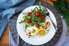 prepare delicious slow cooker salmon