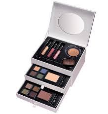 avon gilded treres makeup set 49 99 includes 16 eyeshadows 4 blushes 3 mini lip glosses 1 mini black eye liner pencil half moon brush and 2