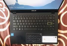 Daftar harga laptop asus sering mengalami naik turun. Asus E410ma Laptop Harga 4 Jutaan Spesifikasi Lumayan Pas Buat Belajar Daring Dan Nonton Drakor
