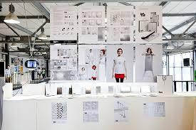Итоговые выставки студентов и выпускников Школы Фоторепортаж  Итоговая выставка российского образования Графический дизайн Базовый курс