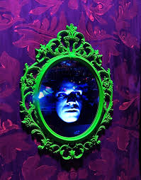 diy lighting effects. Picture Of Spooky Face In Mirror Special Effect Diy Lighting Effects H