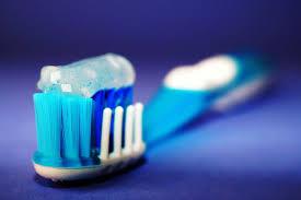 <b>Зубная паста</b> с фтором или <b>без</b>: какую выбрать