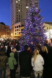 Gram tree lighting(2).JPG Grand Rapids ...