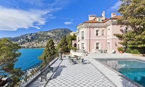 une luxueuse villa française de 850 m² habitables est à vendre 90 millions d euros
