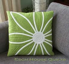 She has given a free cushion cover project to go along with the book. This  lovely Daisy cushion will look so stylish on your sofa.