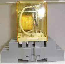 10 pack of New Idec Relays SPDT RR1BA-128 120vac coil 10 amp with SR3B-05  Bases | eBay