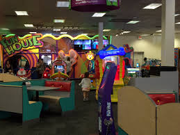 Chuck E. Cheese\u0027s is breaking up the animatronic band | The Seattle ...