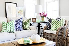 Pink And Green Living Room Add Beautiful Green Accessories To Your Design And Celebrate