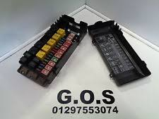 land rover discovery fuses fuse boxes 1998 2004 land rover discovery 2 td5 v8 fuse box fuses cover yqe103800