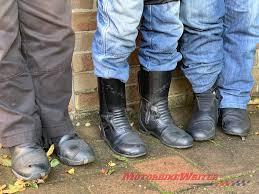 are you a pants tucker or loose legger