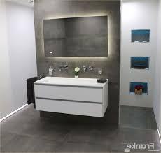Badezimmer Beispiele Fliesen Holzschildergq
