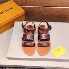 top designer womens luxury flat sandals summer beach brown leather slides indoor fashion sandal 2019 women designers slipper flip flops las slippers boys