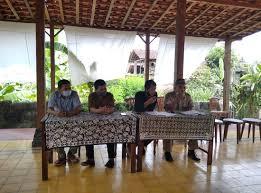 Japan has opened its door for worldwide for the mext scholarship 2021. Peringatan Hari Guru Dan Hut Pgri Harus Netral Dari Politik Praktis Politik Rri Yogyakarta