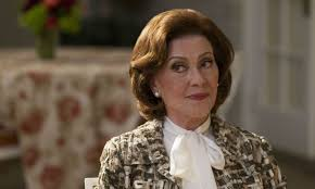 Kelly Bishop Can't Understand Why Gilmore Girls Fans Love Emily Gilmor |  Vanity Fair