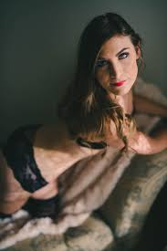 intimate and sweet calgary boudoir session