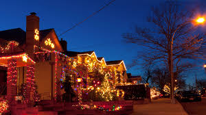 Christmas Light Etiquette Stephanie Chapman Real Estate Agent The Homeowners