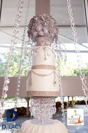 check out this hanging wedding cake