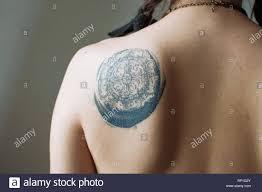 Tatuaggi Alla Schiena Immagini Tatuaggi Alla Schiena Fotos Stock