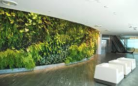 qantas-lounge-toward-escalator-sydney-dec-09