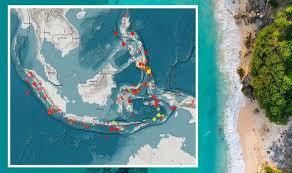 A 7.3 earthquake has hit indonesia, on halmahera island. Vypqevton6 Sgm