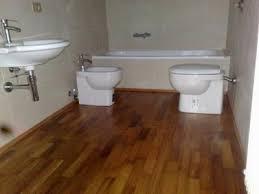 Bagni Esterni In Legno : Esterni pavimenti legno annunci