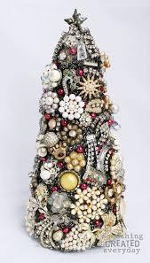 CraftionaryFoam Christmas Tree Crafts
