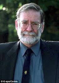 criminologists reveal the five key traits common in serial killers doctor harold shipman pictured used his position as a medical expert to manipulate his
