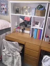 15 life changing tips on how to make your dorm room look bigger