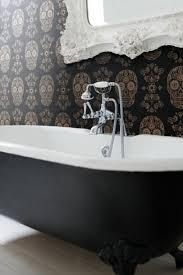 Bathroom: Black Tub And White Decor - Black Bathtub