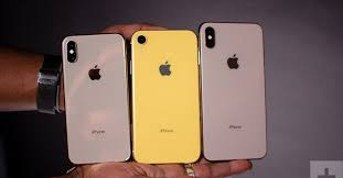 Iphone Actual Size Comparison Chart Apple Iphone Xs Vs Iphone Xs Max Vs Iphone Xr Digital Trends