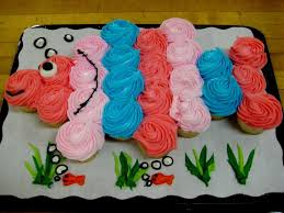 Cupcake Cakes Designs This Clever Cupcake Fish Cake Was Baked By
