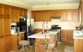 honey maple kitchen cabinets. Maple Kitchen Cabinets With Granite Countertops Honey What Color White