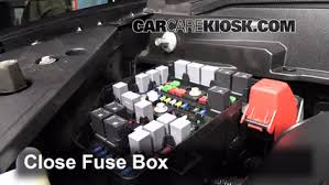 replace a fuse 2007 2013 gmc acadia 2007 gmc acadia slt 3 6l v6 6 replace cover secure the cover and test component