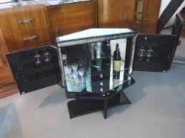 Originaler Art Deco Barschrank In Seltener Rautenform