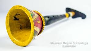 Alat musik tradisional khas kalimantan selatan yang pertama adalah gamelan banjar. Mengenal 12 Alat Musik Tradisional Kalimantan Selatan Yang Langka