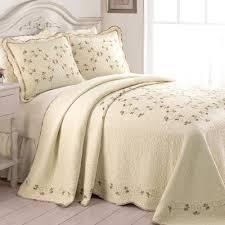 Victorian Bedding | Touch of Class & Felisa Quilted Bedspread Light Cream Adamdwight.com