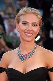 Scarlett Johansson Biography ...