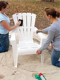 painting plastic chairs