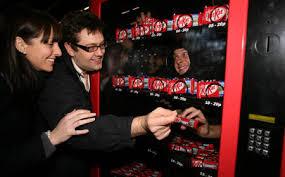 Human Vending Machine Stunning Selling Candy In Human Vending Machines Geekologie