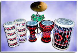 Musik ini merupakan kolaborasi antara kesenian timur tengah dan betawi, dan memiliki unsur keagamaan yang kental. Paket Alat Marawis Batik Jual Alat Musik Marawis Rebana