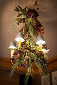 17 gorgeous chandelier for a yuletide home decor 16