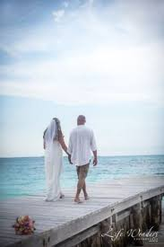 cancun wedding photographer wedding portrait bride and groom photo session mexico luxury beach