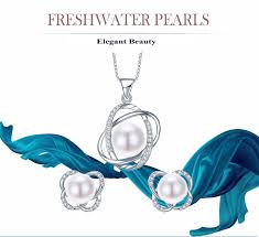 banner white pearls