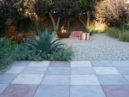 15 great ideas for a lawn free yard