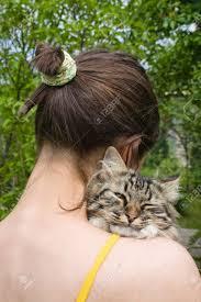 Resultado de imagen de fotos de adolescentes con gato
