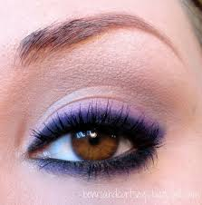 this makeup is gorgeous for those who really want to make a statement and showcase their brown or green eyes it s easy to achieve it s extremely y so
