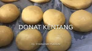 Sajikan donat kentang goreng spesial takaran sendok yang renyah dan empuk dengan taburan. Resep Donat Kentang Takaran Sendok Anti Gagal Youtube