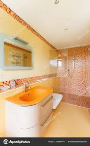 Orange Badezimmer Stockfoto Zveiger 178659710